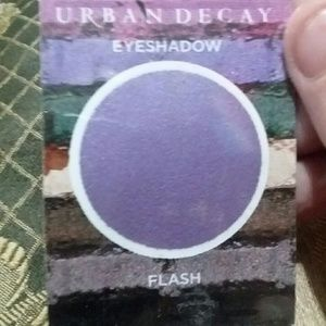 Urban Decay Sample Eyeshadow Flash